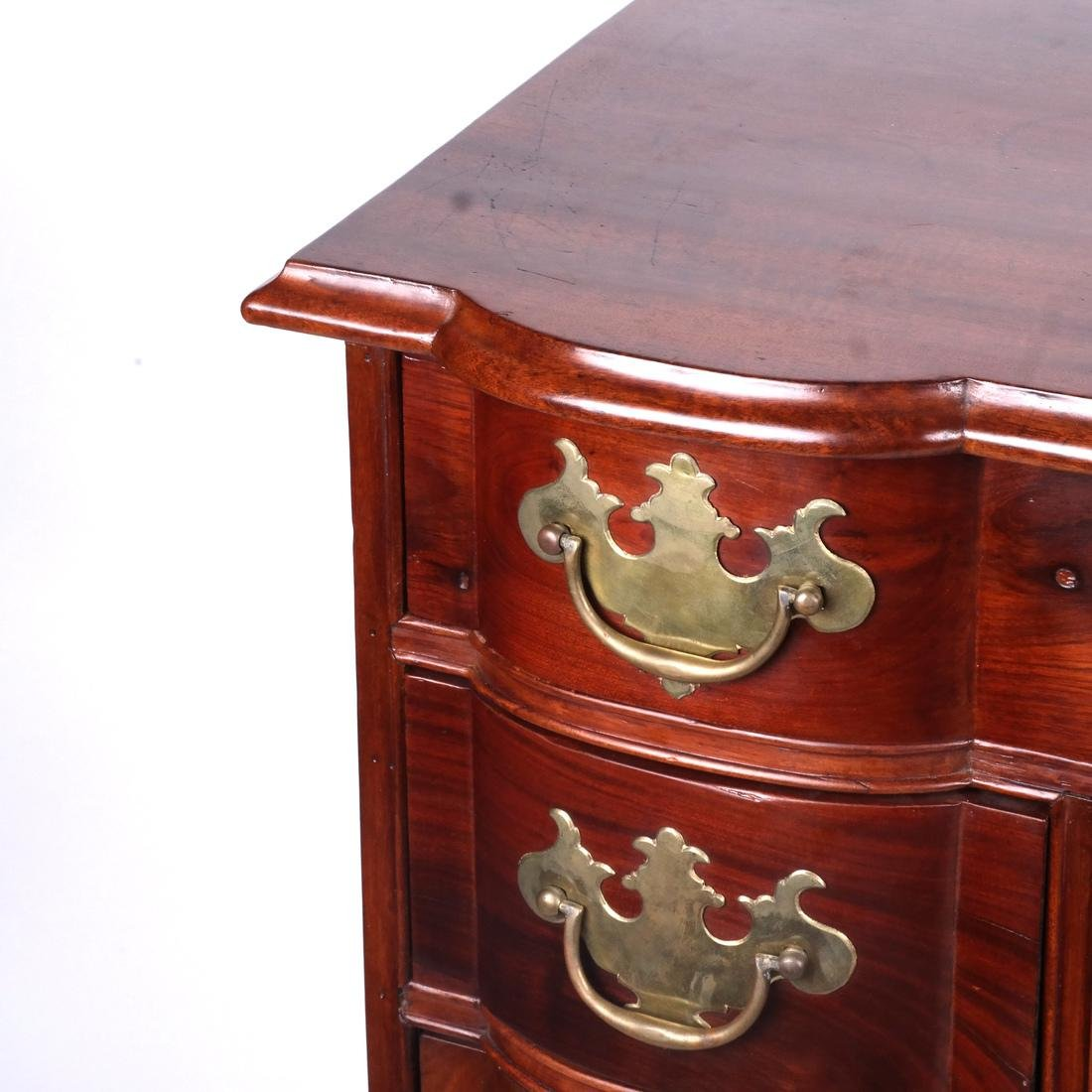 18th C. American New England Kneehole Desk - 3