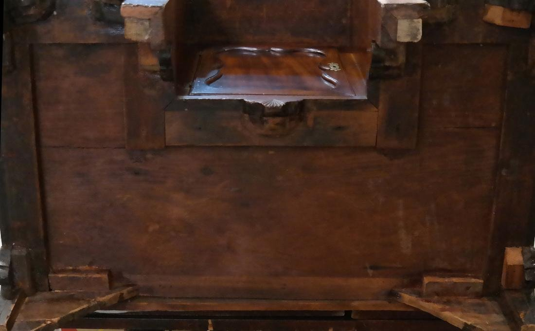 18th C. American New England Kneehole Desk - 7