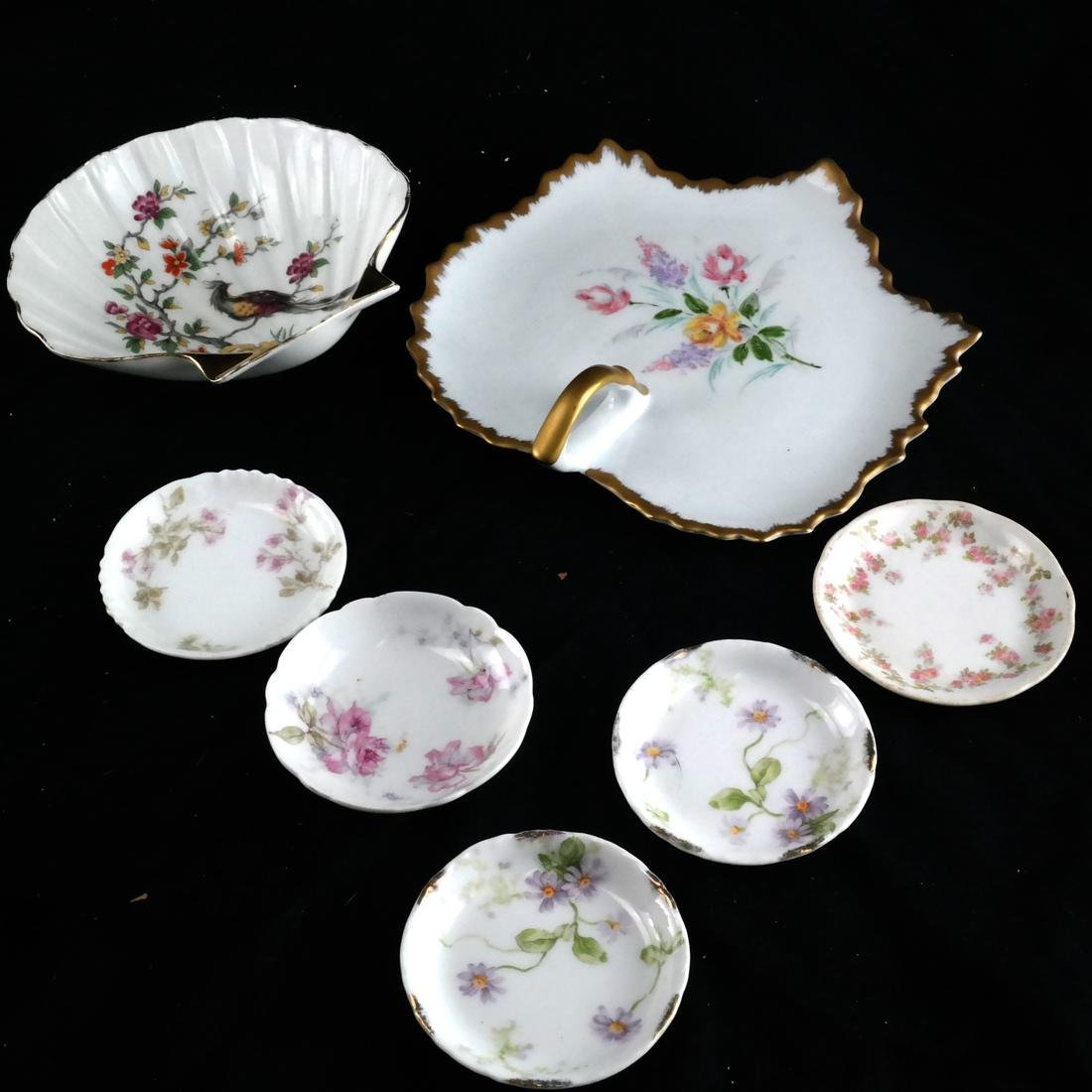 Mixed Group of Porcelain, Decorated Objects - 3