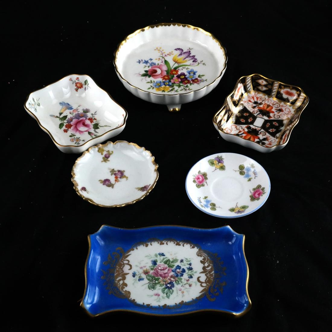 Mixed Group of Porcelain, Decorated Objects - 4