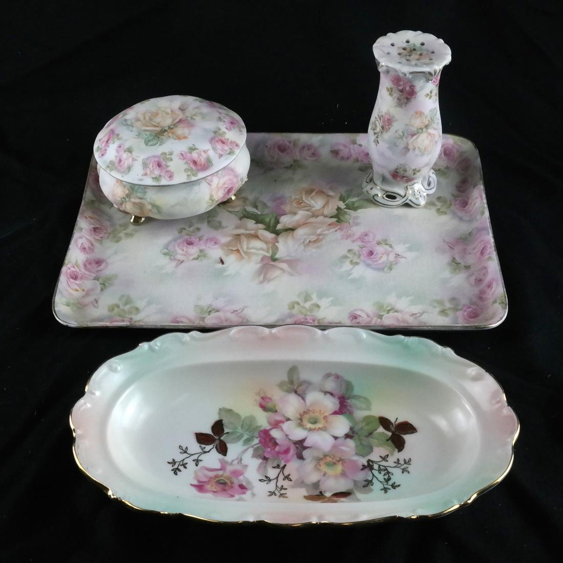 Mixed Group of Porcelain, Decorated Objects - 6
