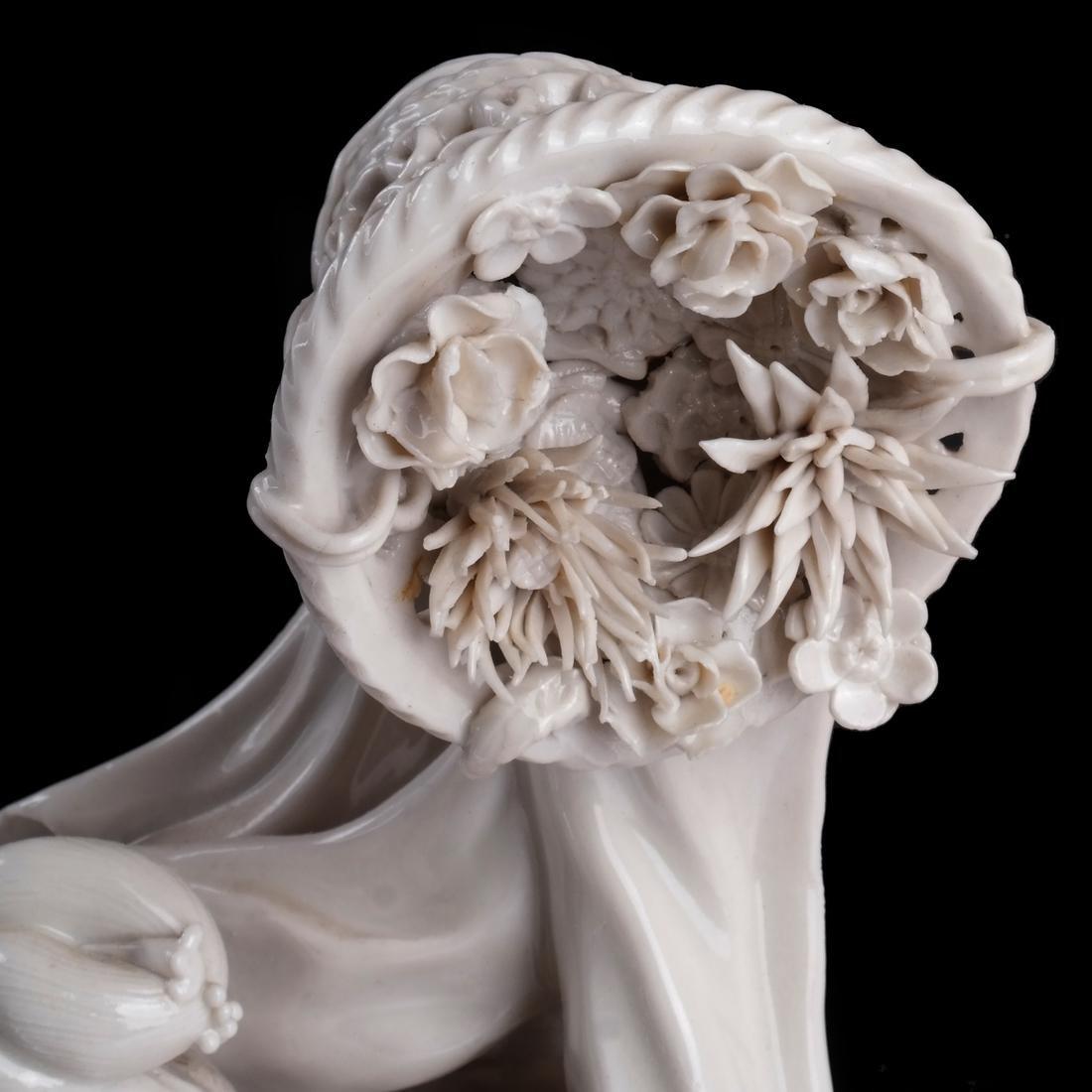 Chinese Dehua Porcelain Maiden - 3