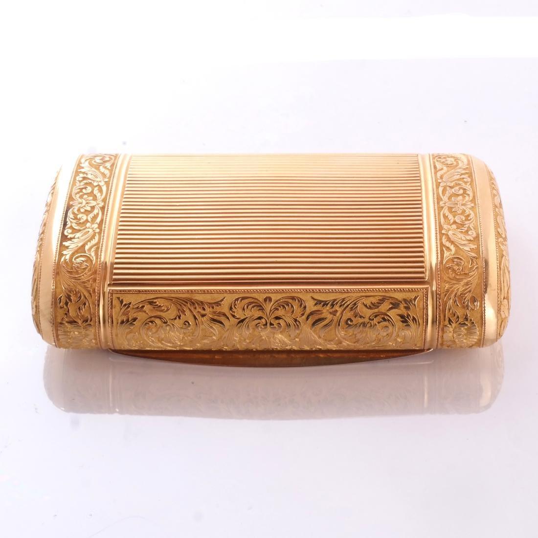 French 18k Gold Snuff Box - 2