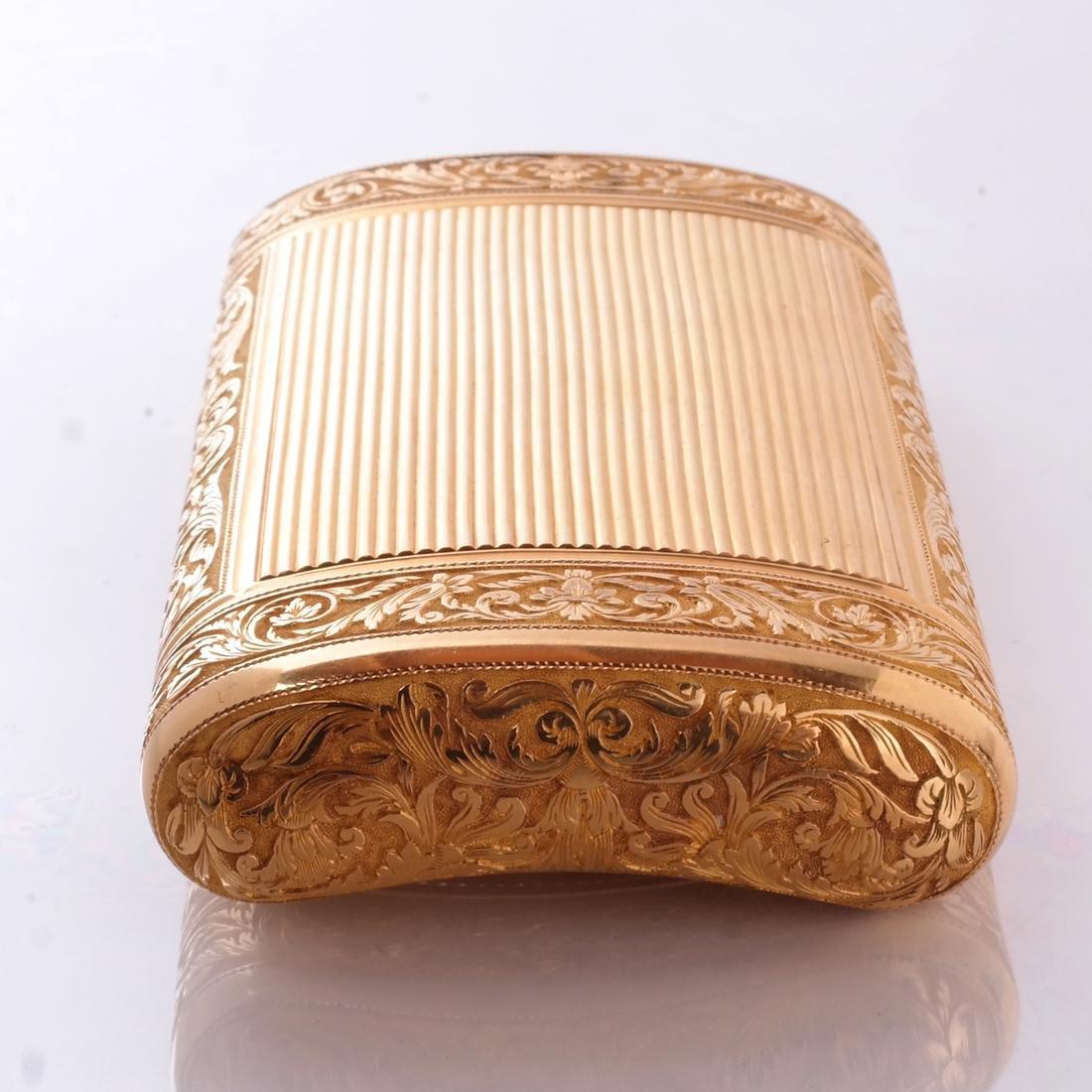 French 18k Gold Snuff Box - 3