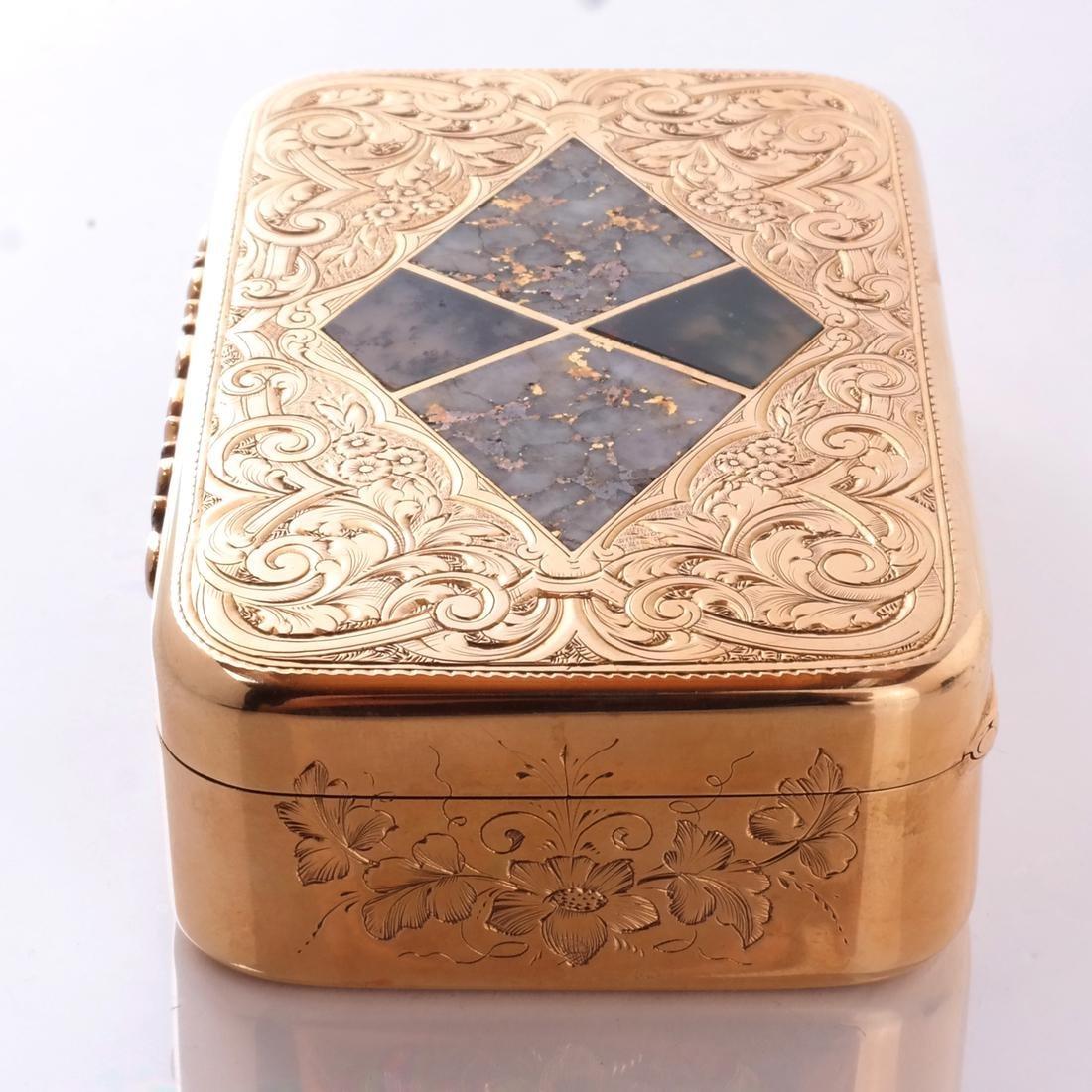 Gold & Quartz Snuff Box - 3