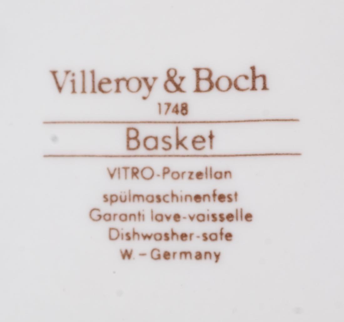 13 Villeroy & Boch Partial Dinner Service - 5