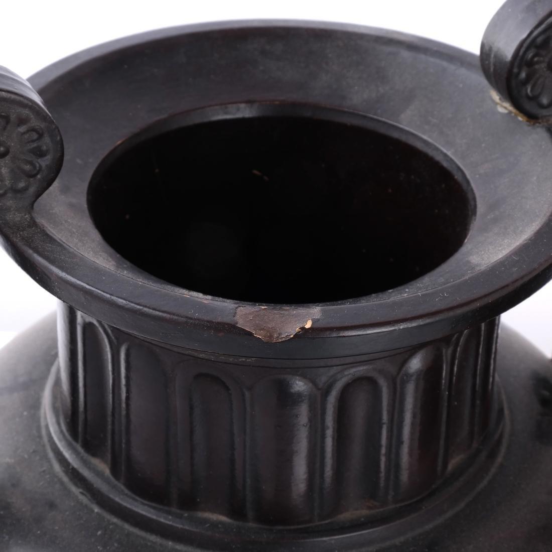 Pair of Classical Style Ceramic Urns - 4