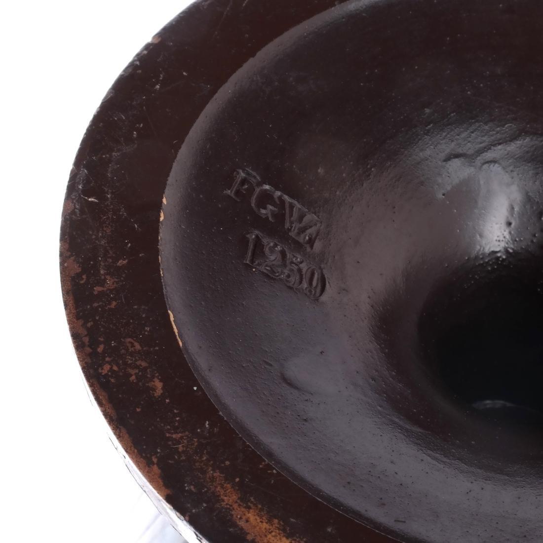 Pair of Classical Style Ceramic Urns - 5