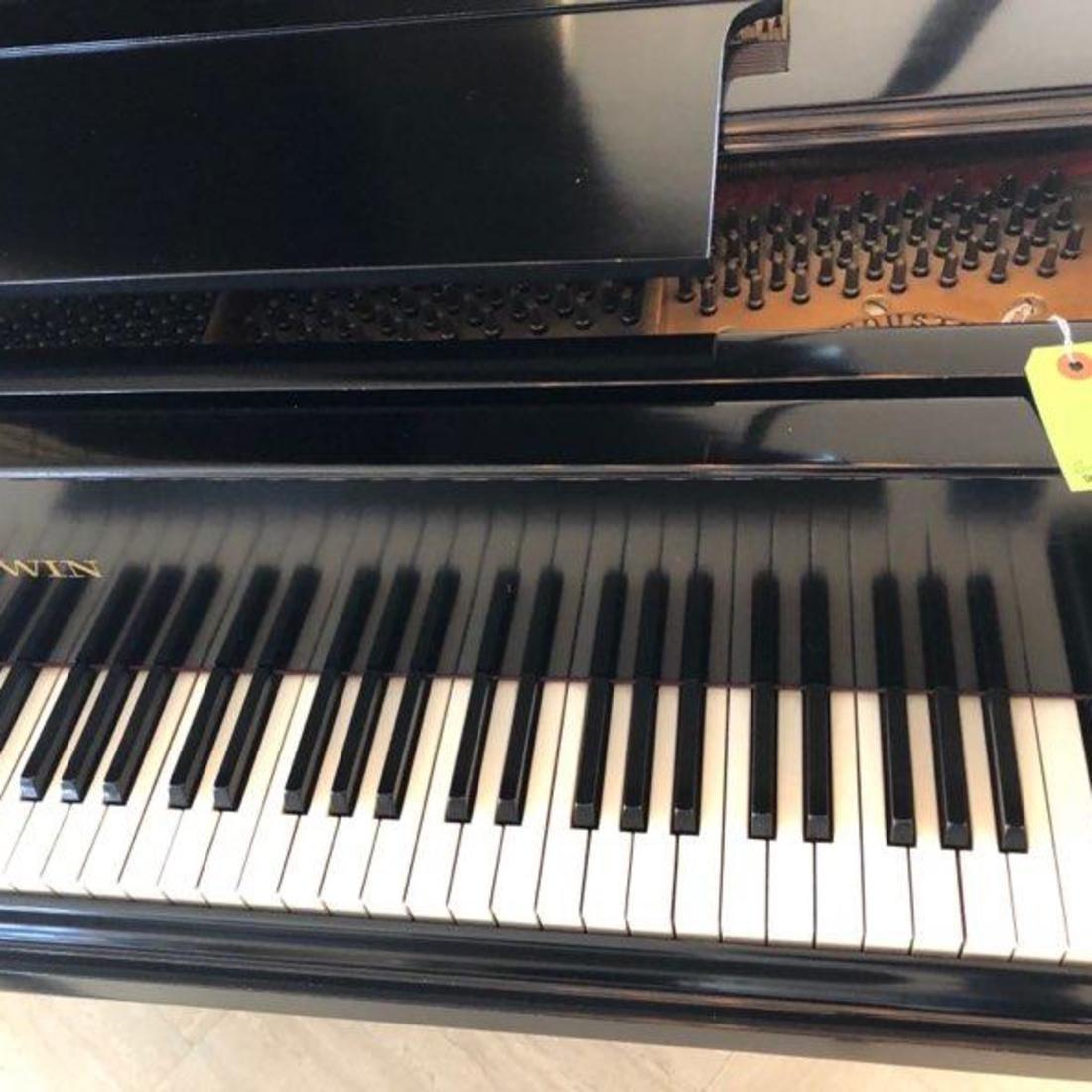 Baldwin Black Lacquer Grand Piano - 2