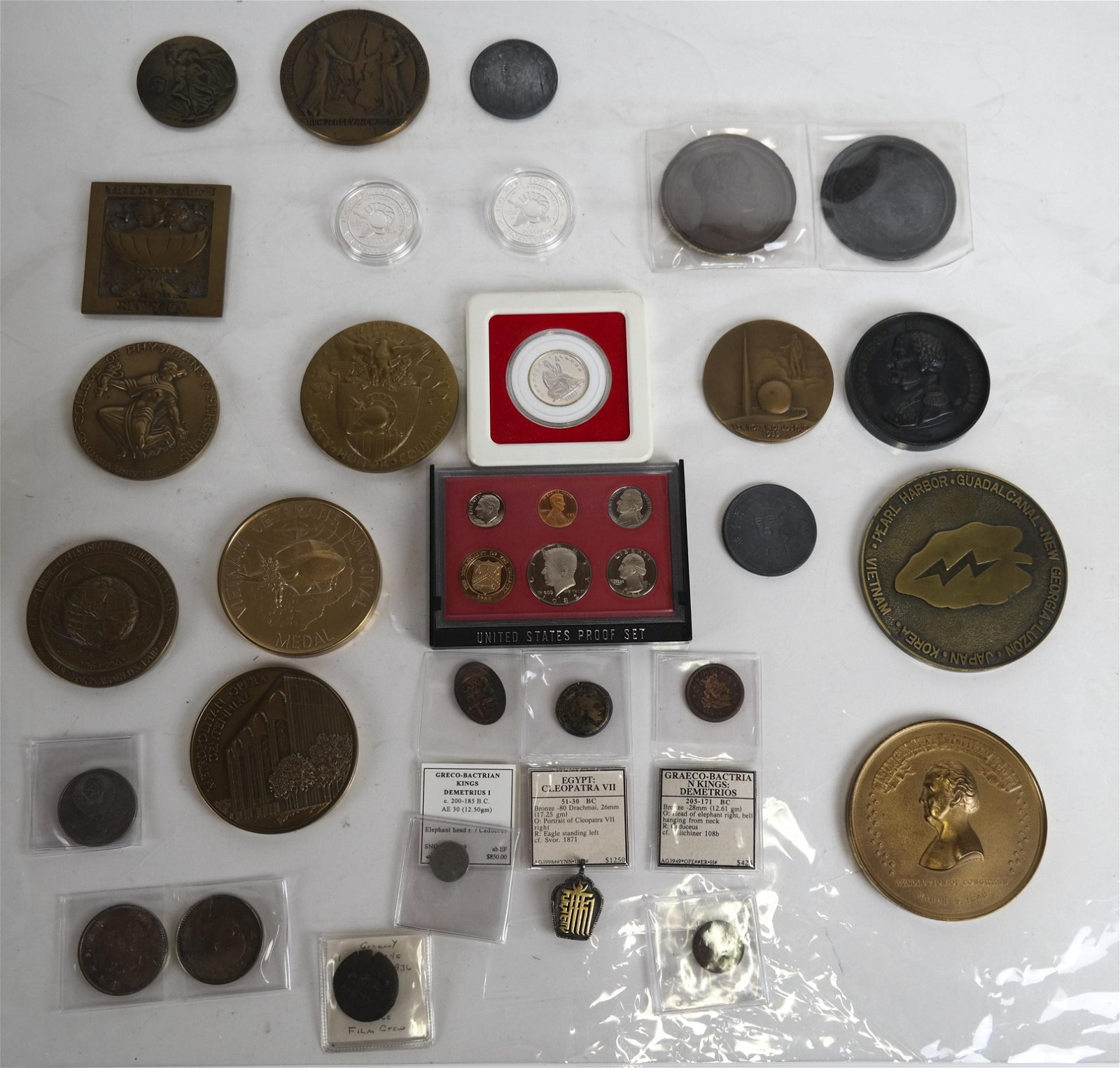 Selection of American & World Medals and Coins