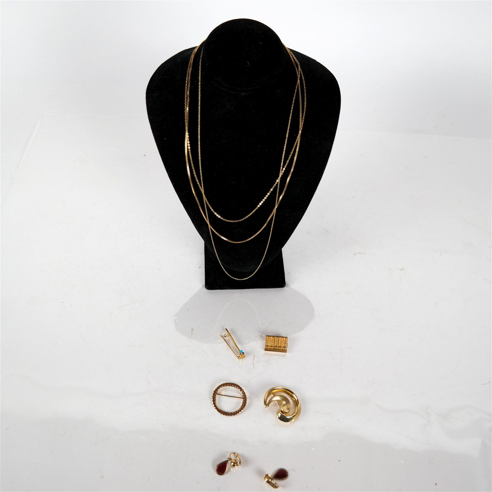 14K Yellow Gold Group: Pins, Earrings, Chains