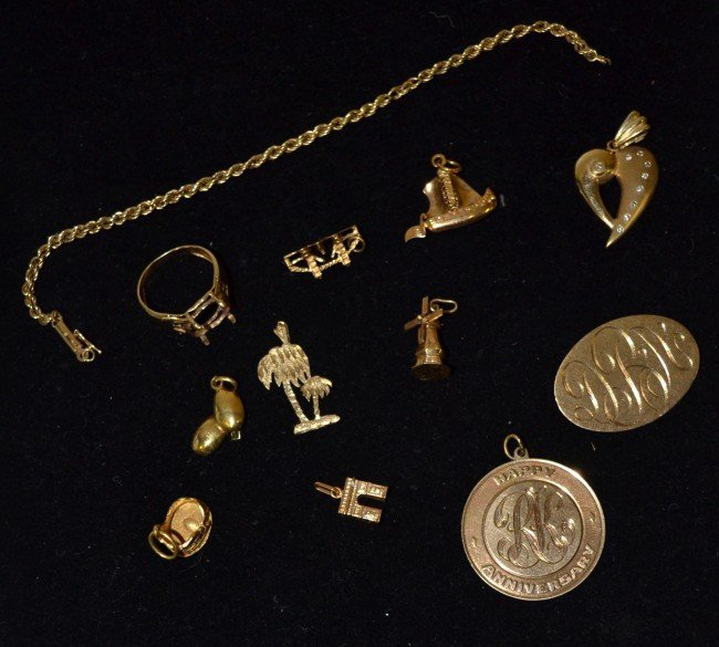163: Assorted Lot Yellow Gold, 12 Pieces