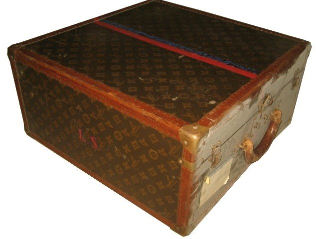131: Louis Vuitton Trunk
