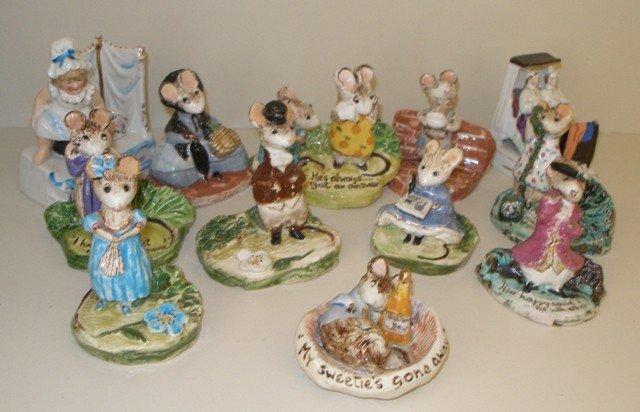 155: Fairings, England.  Twelve Porcelain Fairings