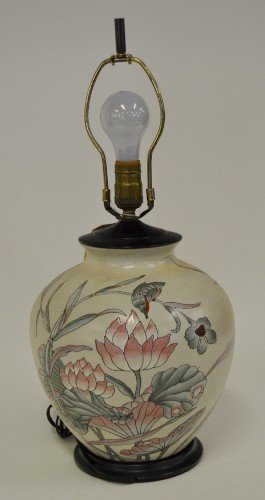 15: Floral Decorated Lamp
