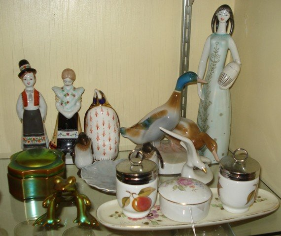 13: Group of Assorted European Ceramic Items