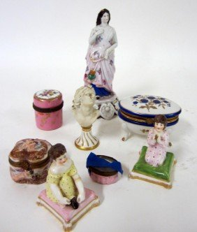 13: Group of 8 Continental Porcelain Articles