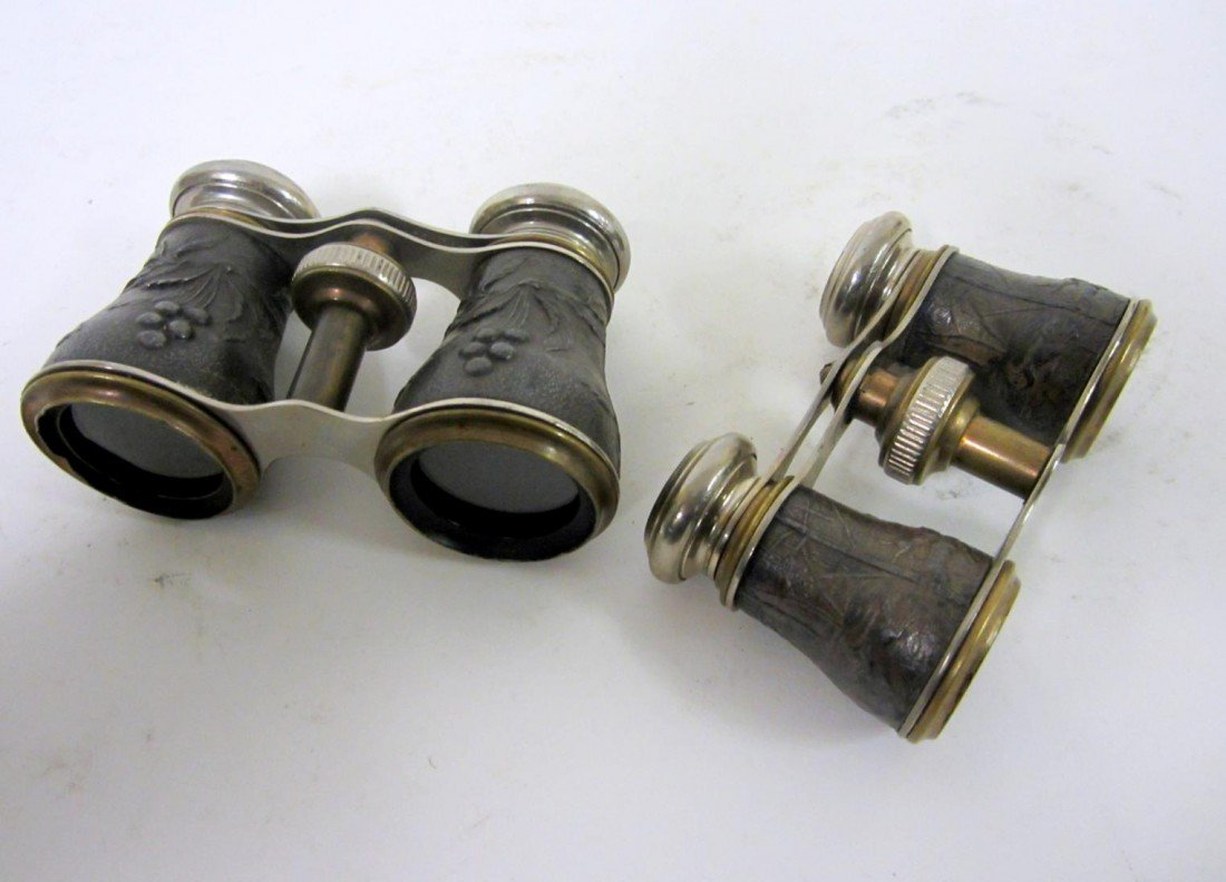 17: Vintage Men's & Women's Sporting Binoculars - 3