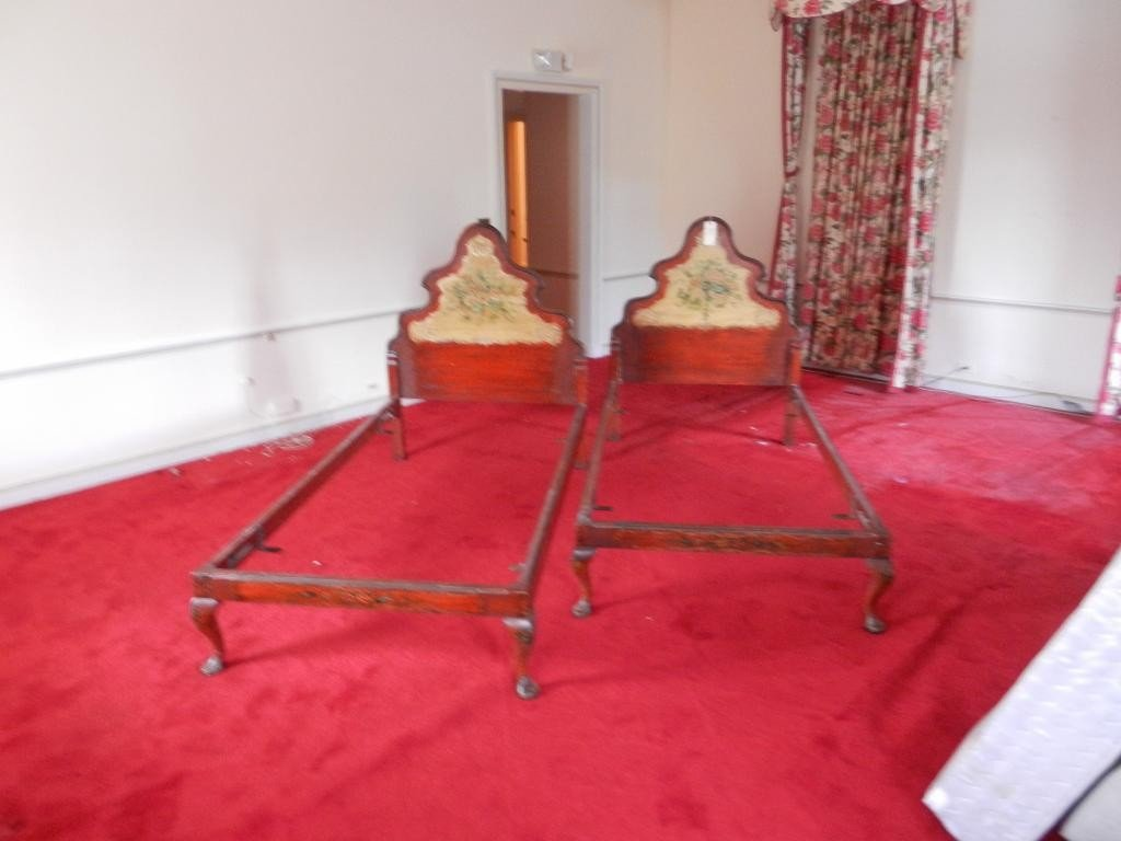 209: Pair of Venetian Style Beds