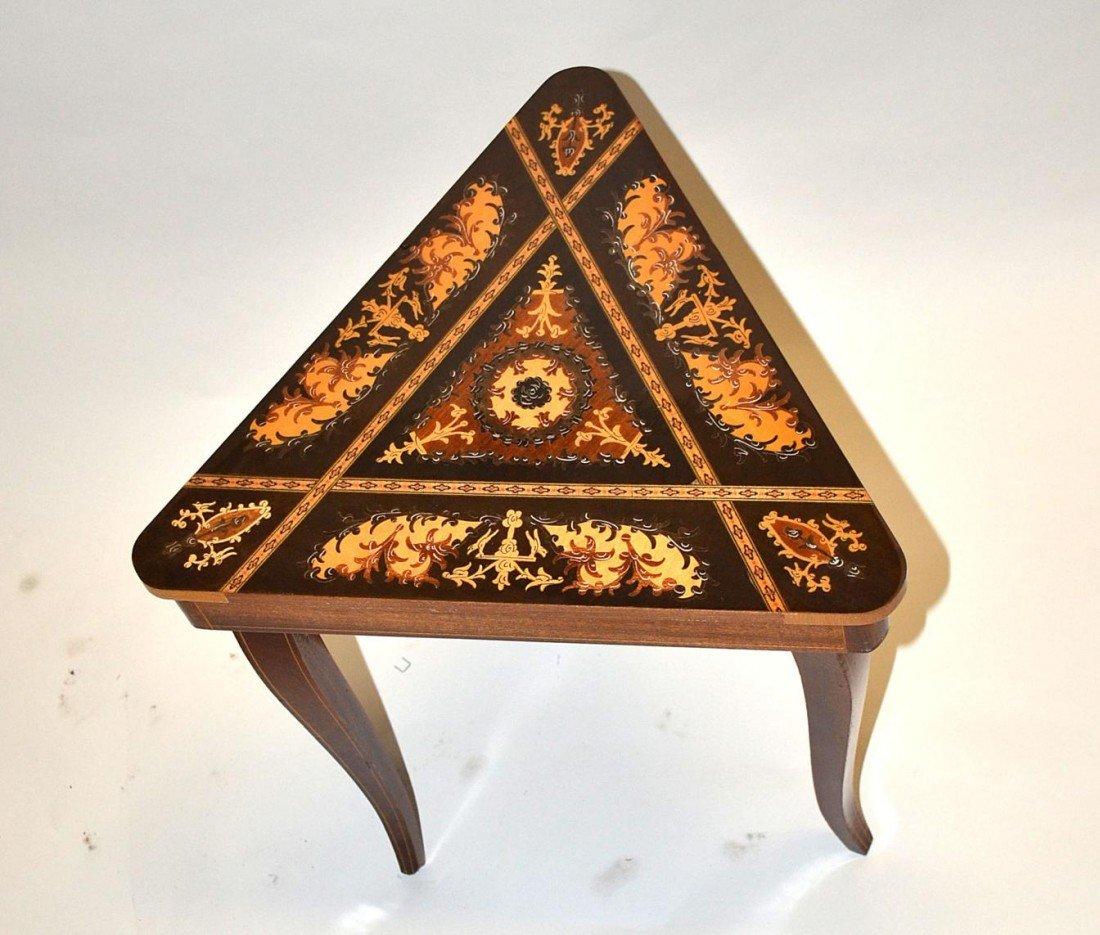 18: Musical Triangular Table - 2