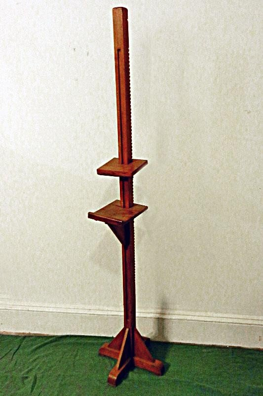 113: Antique Oak Easel