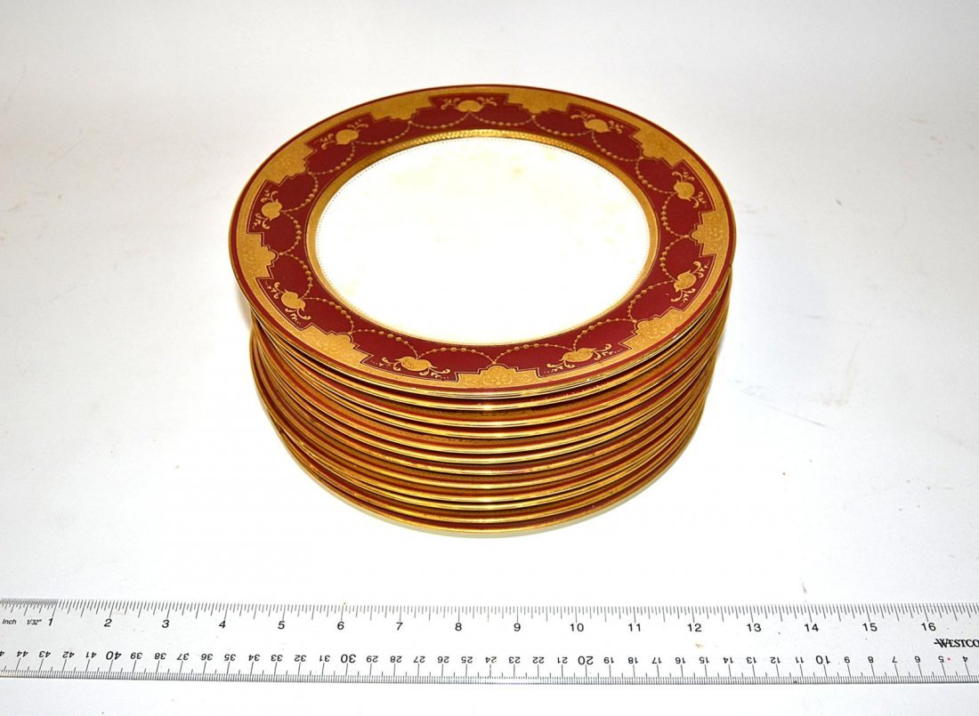 12: Thirteen Minton Plates