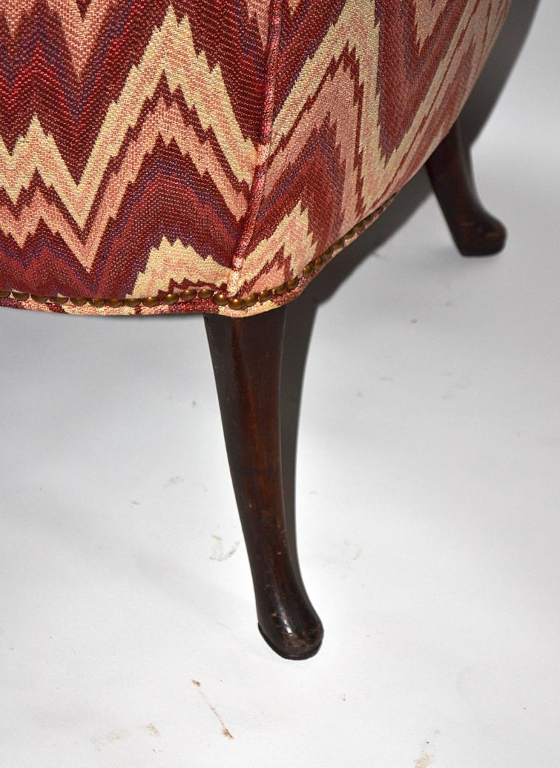 217: Queen Anne Style Walnut Wing Chair - 6