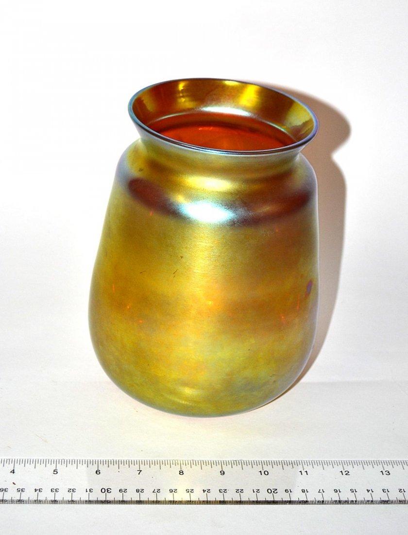 77: Aurene Glass Vase