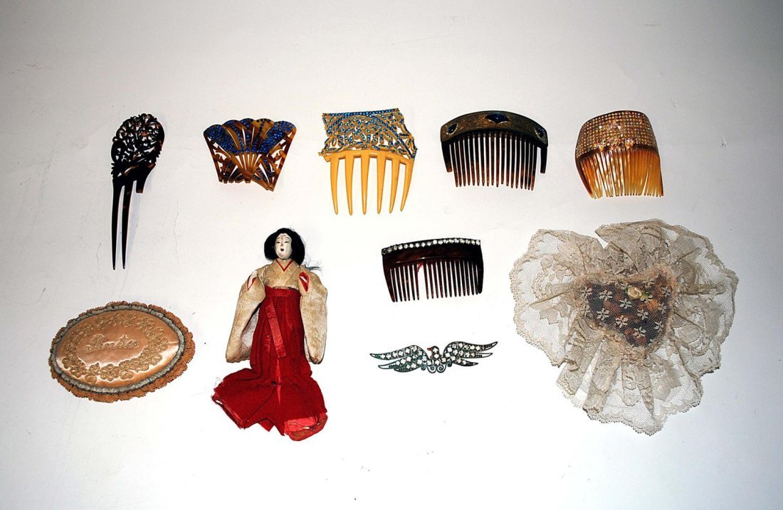 18: Miscellanious Vintage Combs & Others