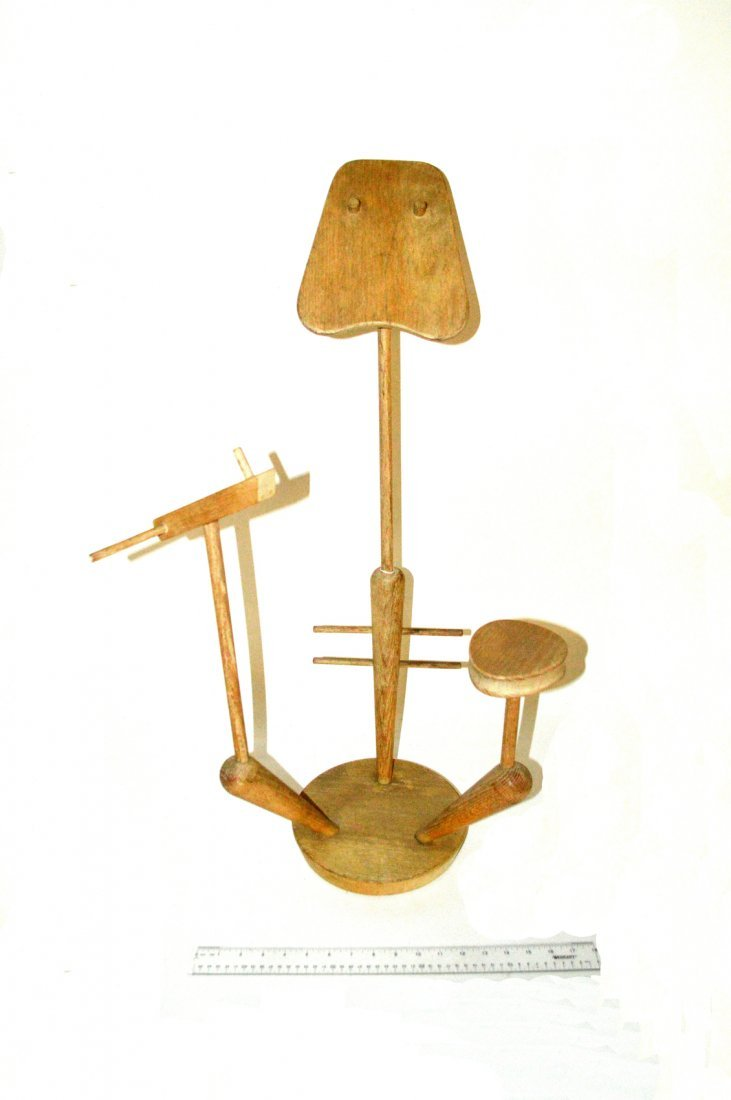 3: Figural Style Display Stand