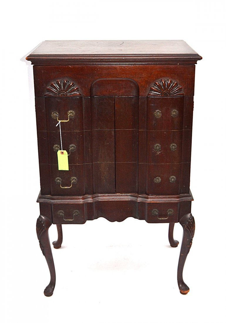 15: Queen Anne-Style Phonograph Cabinet