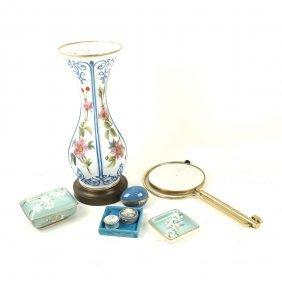 8 Assorted Decorative Items