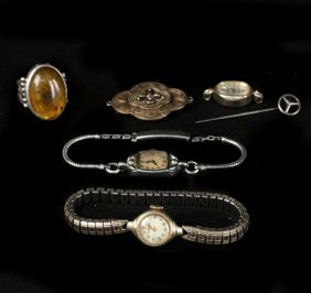 Six Items Of Jewelry