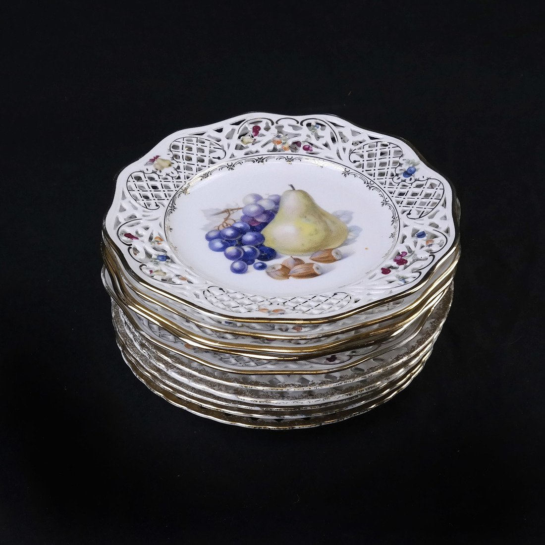 Ten Continental Porcelain Dishes