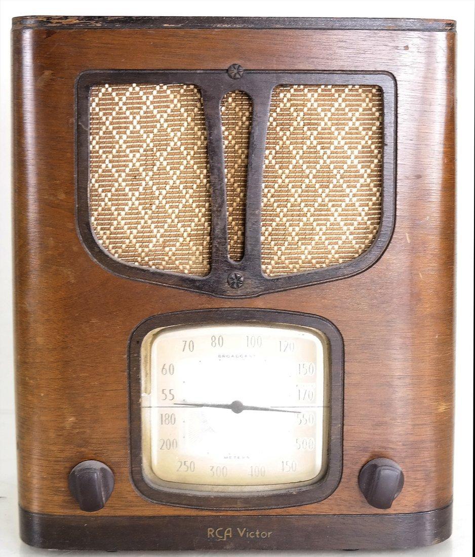 RCA Victor Upright Tabletop Radio, Model #94BT1
