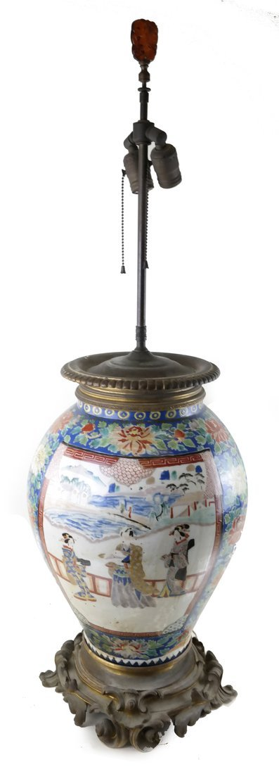 Victorian Chinese Rose Medallion Lamp