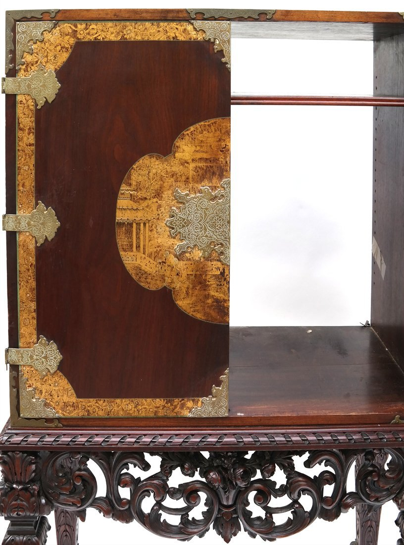 Early 20th Century Chinoiserie Cabinet - 7