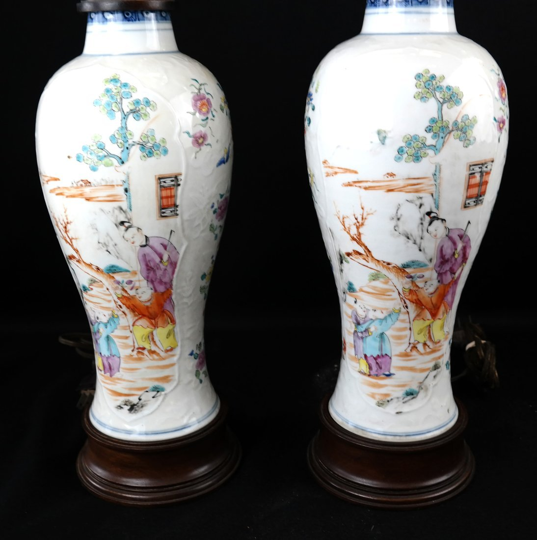 Pair Chinese Export Porcelain Lamps - 3