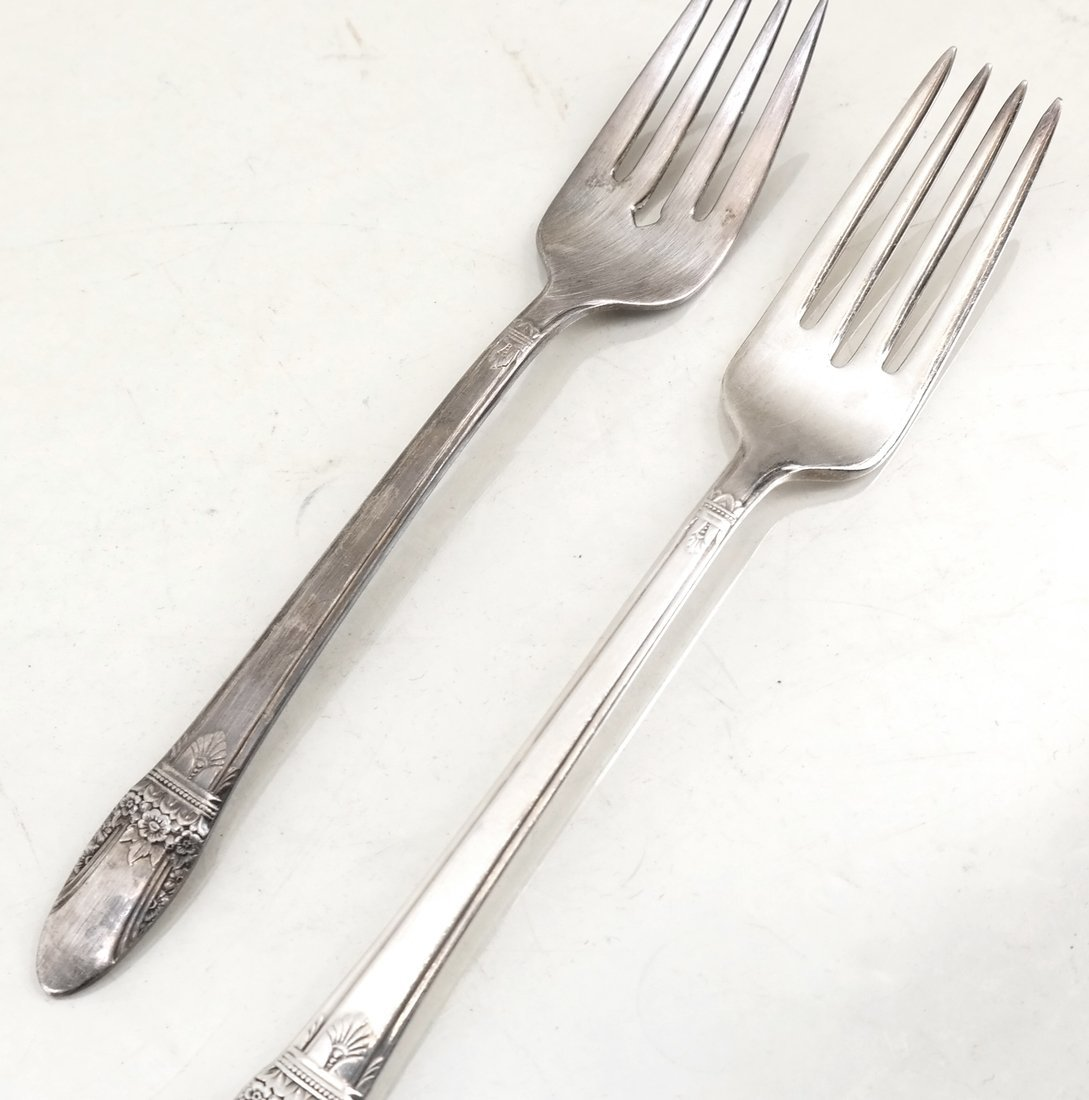Silver-Plated Part Flatware Service - 6