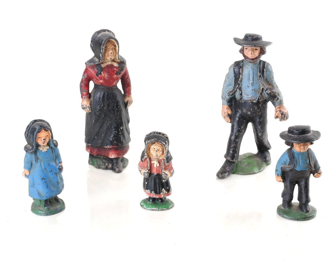 Fifteen Painted Cast Iron Amish Figures - 7