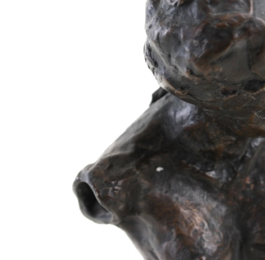 Bronze Sculpture of a Nude Woman - 5