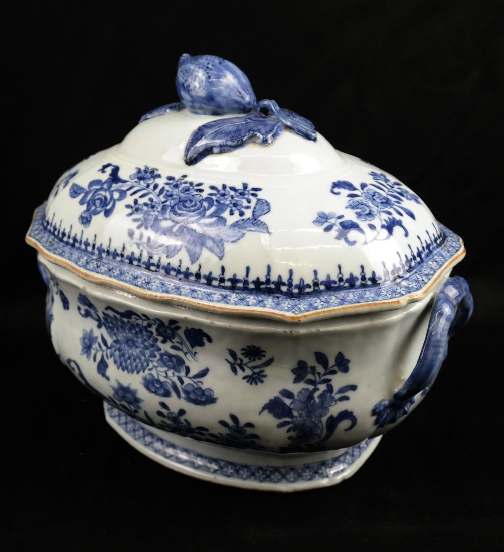 Chinese Export Porcelain Covered Tureen