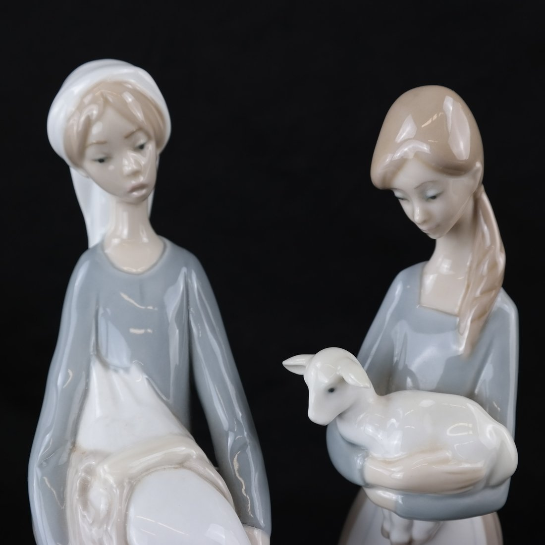 Two Lladro Female Figures - 2