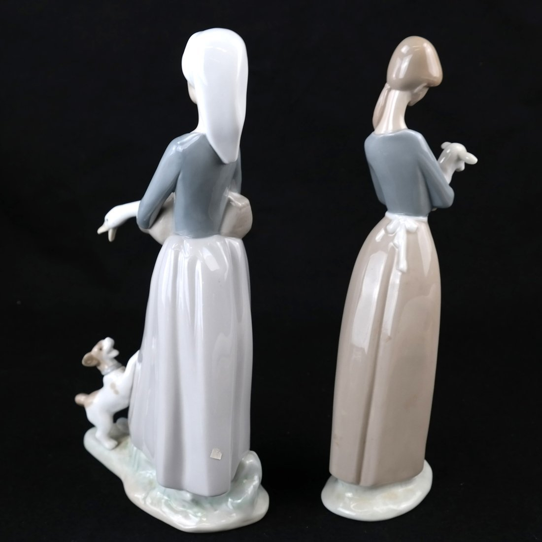 Two Lladro Female Figures - 5