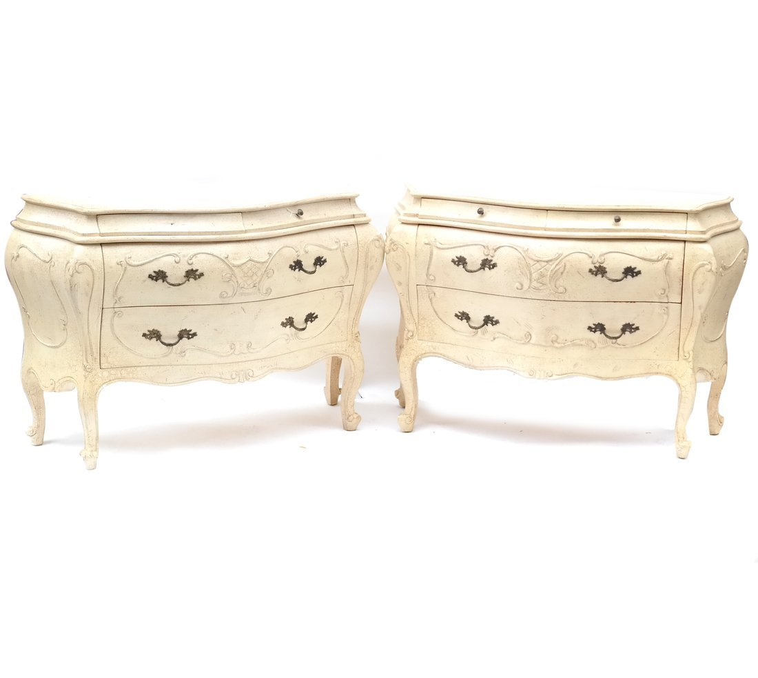 Pair Bombe Decorated Chests