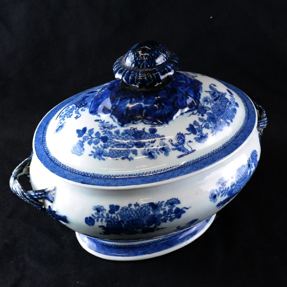 Chinese Export Blue/White Soup Tureen