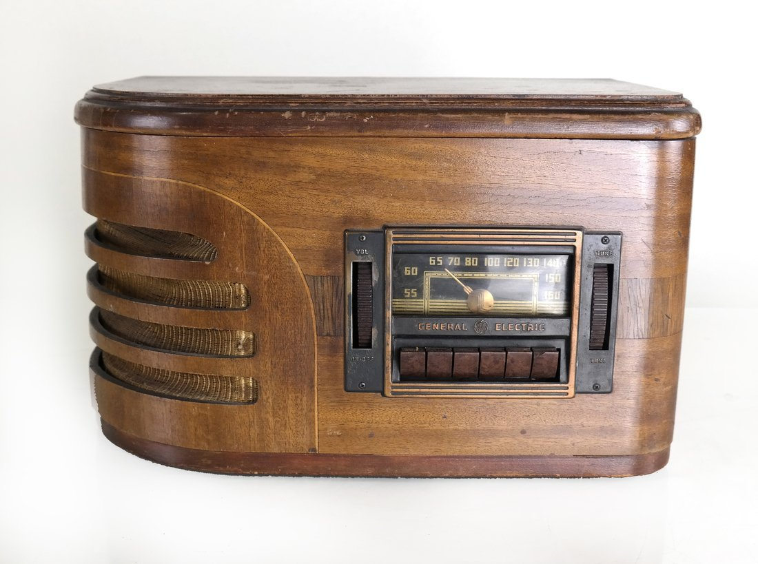 General Electric Wooden Radio