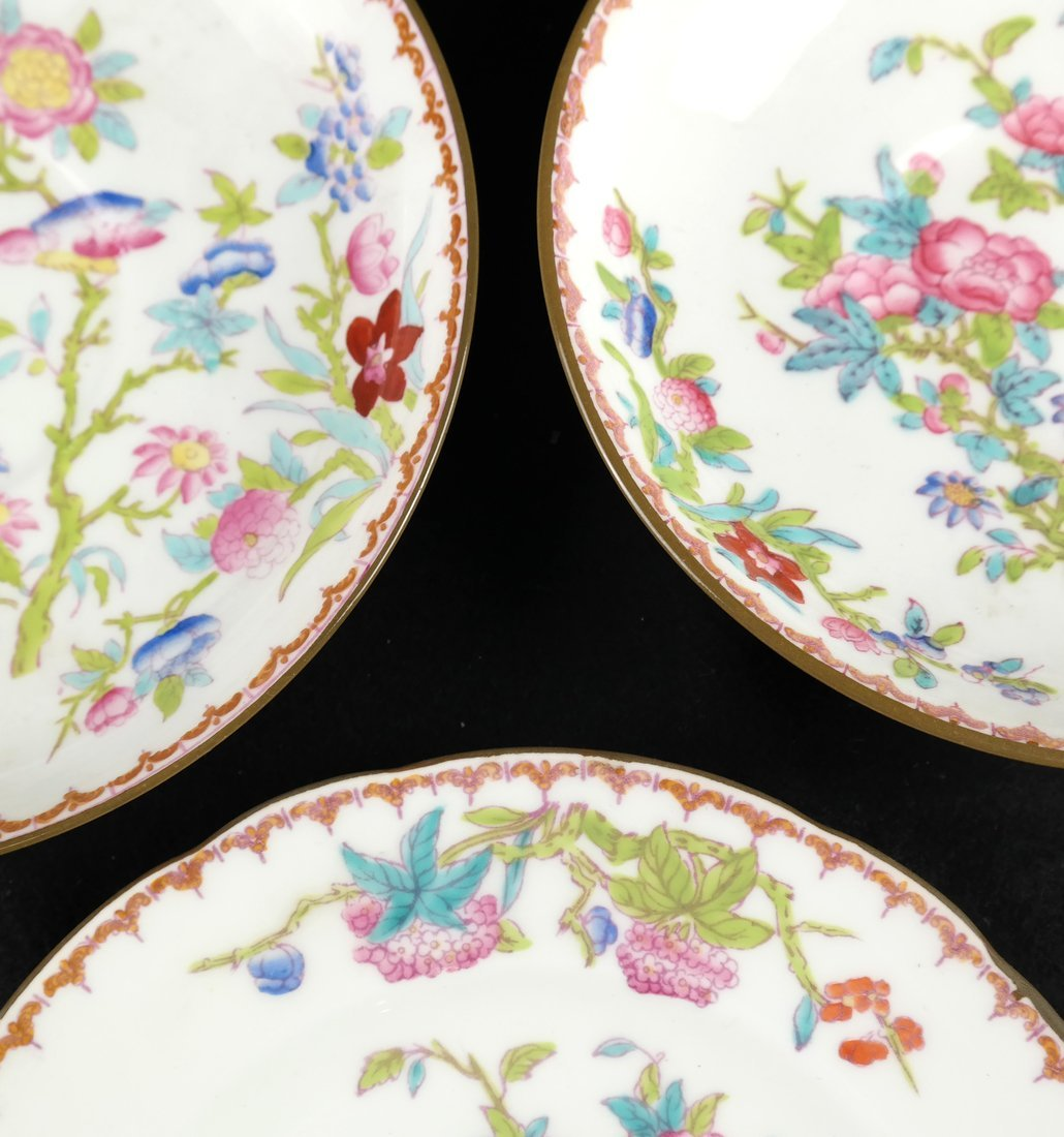 55 Pieces of English Porcelain - 8