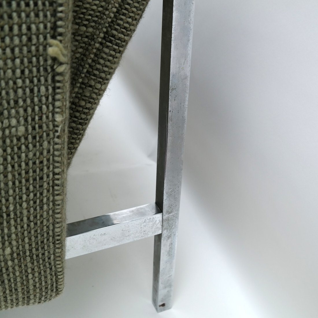 Knoll Green Upholstered Sofa - 10