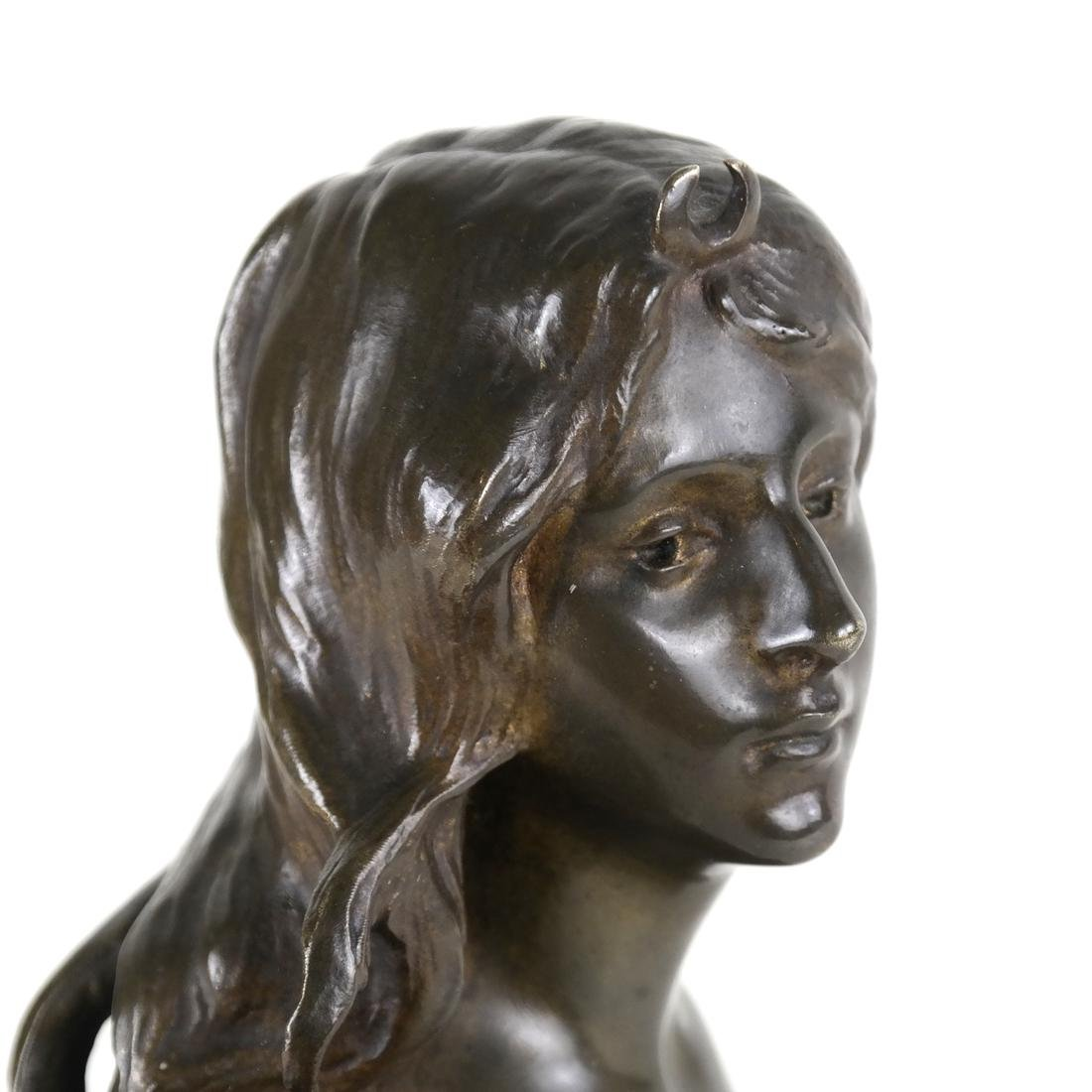 P. Sado, Bronze Bust Of A Lady - 7